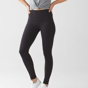 LULULEMON Black Ankle Cropped Wunder Under Legging